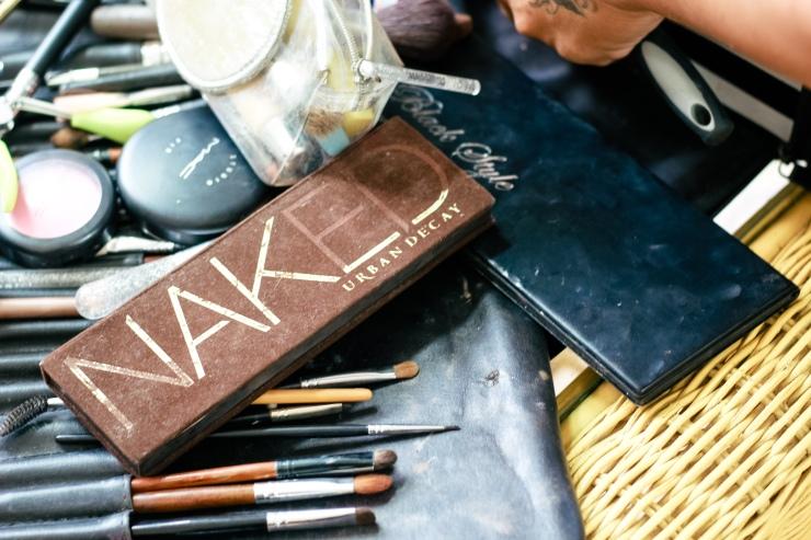 Tìm thợ make up cưới